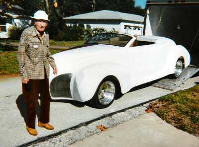EL Gregory checks out a Zephyr Replica built by Terry Cook